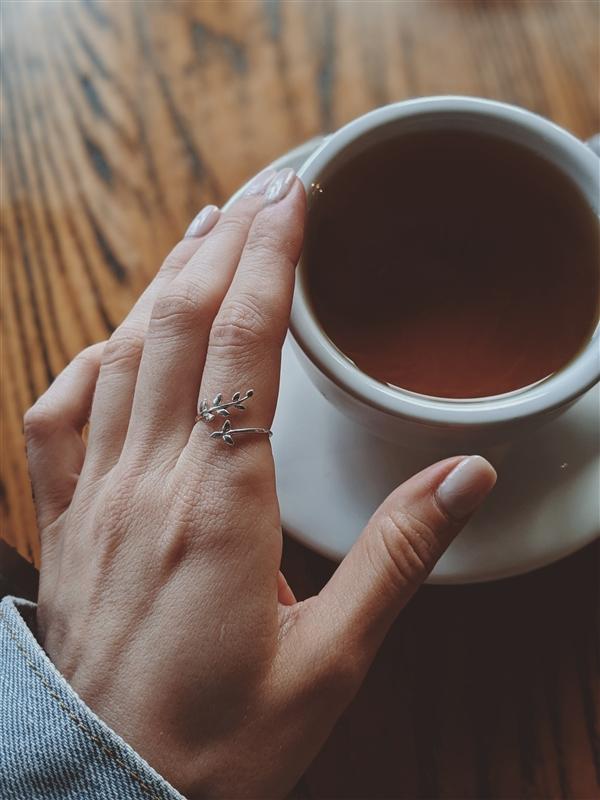 每天喝杯茶有啥好处?减少50%痴呆风险