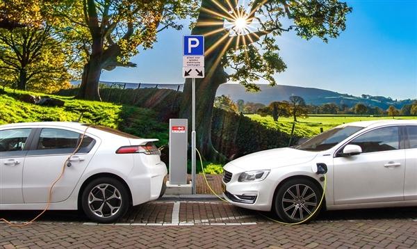 新型电池!让电动汽车充电10分钟:续航480公里